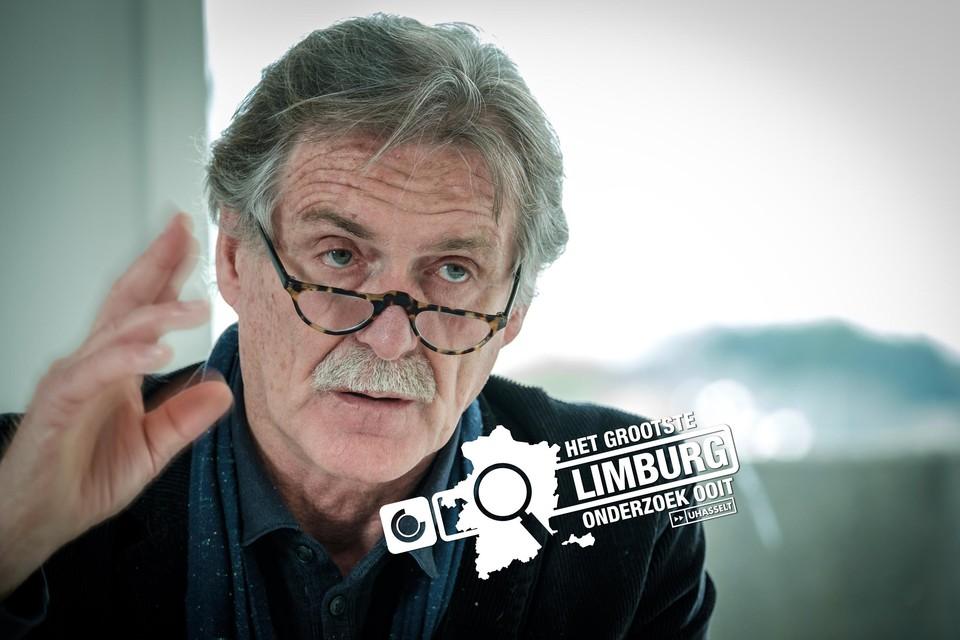 """""""Mensen willen graag overal in betrokken worden. Ook in hun levenseinde. Daarover gaat het. Niet meer, niet minder"""", zegt professor Wim Distelmans (VUB)."""