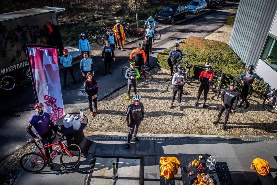 Vrijdagochtend werd de aftrap gegeven van acht opeenvolgende ritten van maar liefst 307 kilometer of de omtrek van de provincie Limburg.