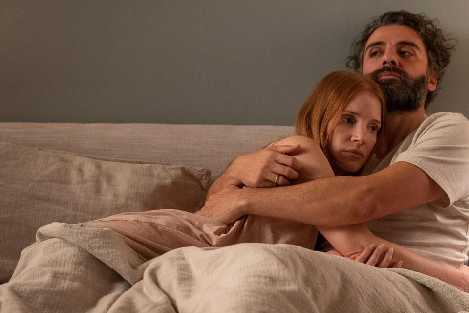 In 'Scenes from a Marriage' geven Jessica Chastain en Oscar Isaac vijf uur lang alles wat topacteurs te bieden hebben.
