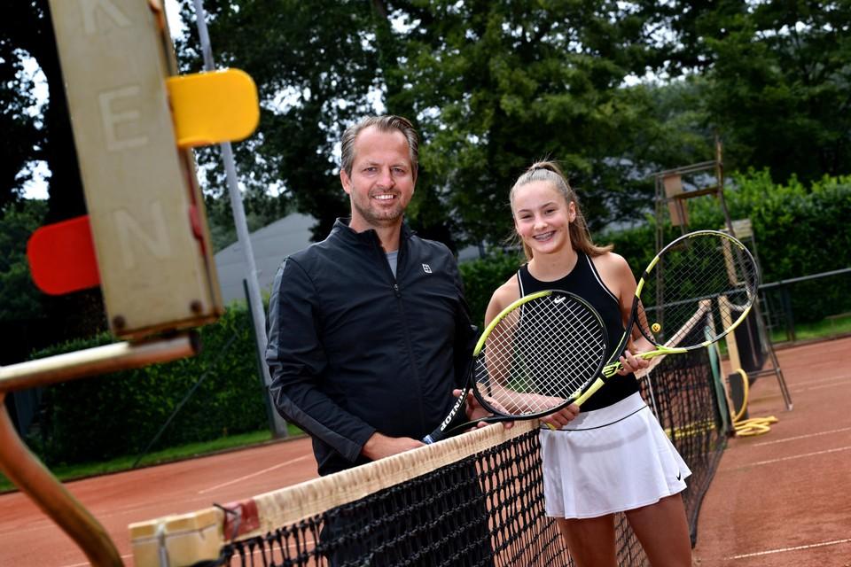 Coach Wouter Peeters samen met Britt Brebels.