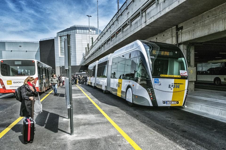 Op de ringlijn rond Brussel worden vandaag al trambussen ingezet (hier aan de luchthaven van Zaventem).