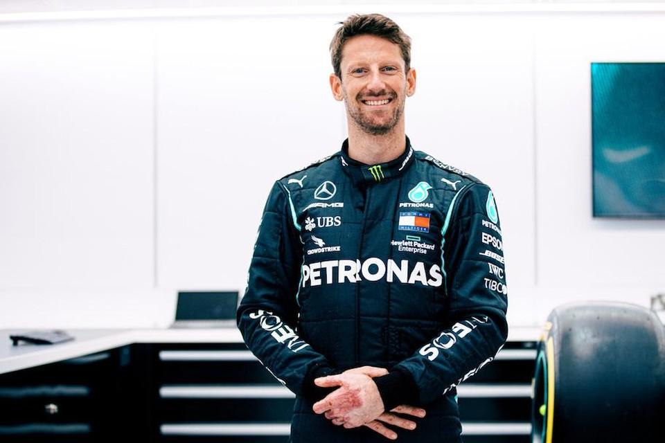 Romain Grosjean in Mercedes-outfit