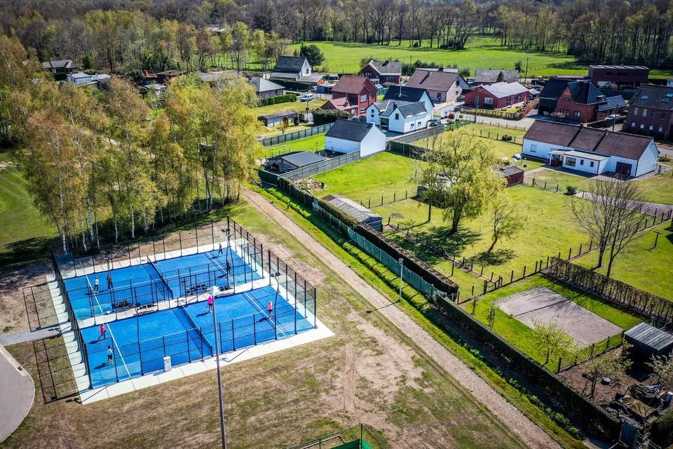 Padelvelden zorgen voor overlast als ze dicht bij huizen liggen, zoals op de Basvelden in Zonhoven.
