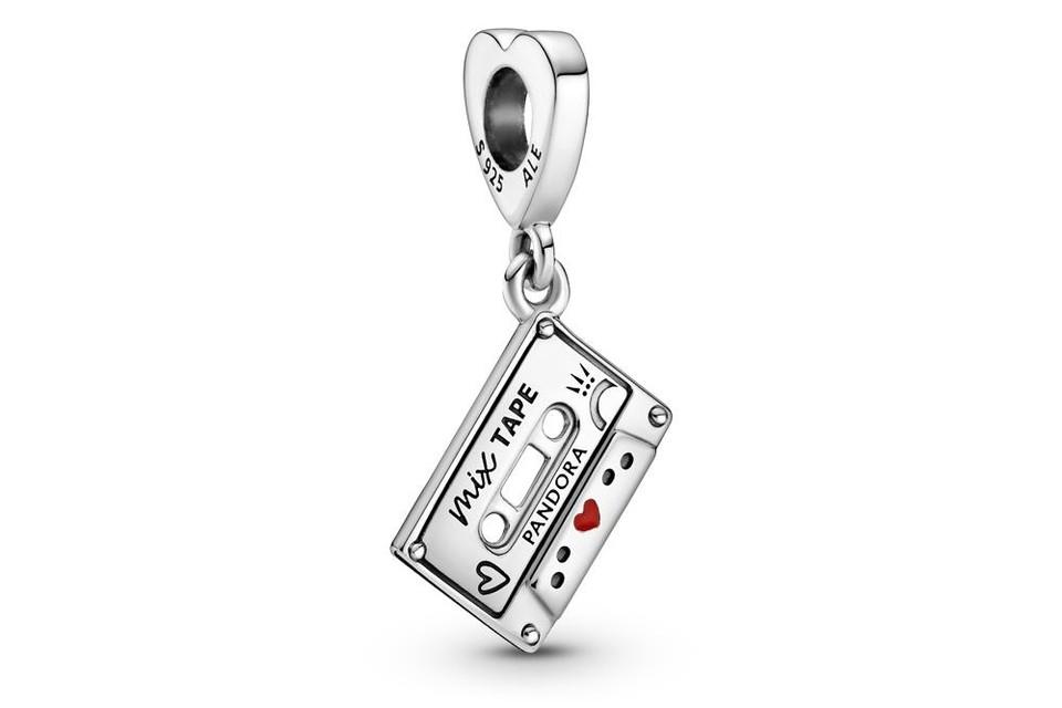 Bedeltje in de vorm van een mixtape - Pandora - 39 euro