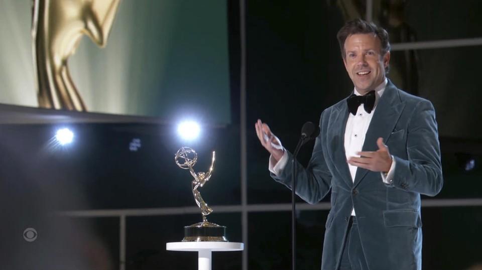 Hoofdrolspeler van 'Ted Lasso' Jason Sudeikis werd uitgeroepen tot beste acteur in een komedie.