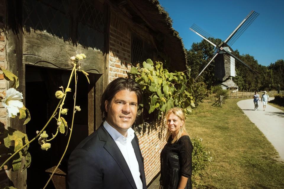 Gedeputeerde en voorzitter van vzw Het Domein Bokrijk Igor Philtjens en directeur Liesbeth Kees.