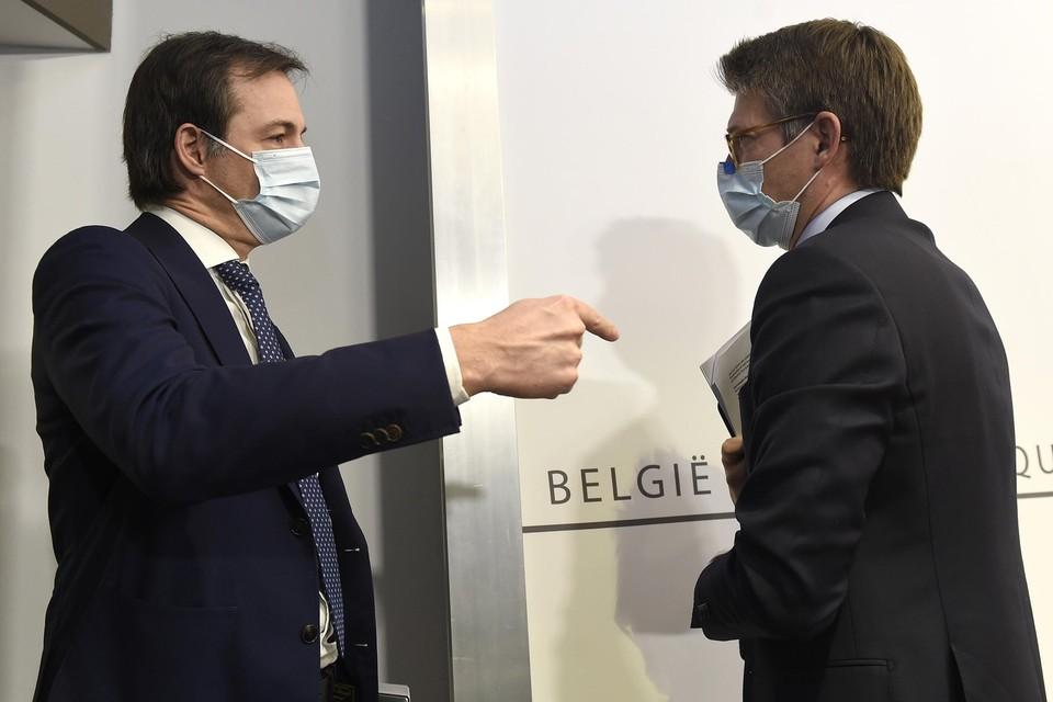 Premier Alexander De Croo (Open VLD) en minister van Werk Pierre-Yves Dermagne (PS) leidden vannacht de onderhandelingen over het loonakkoord.