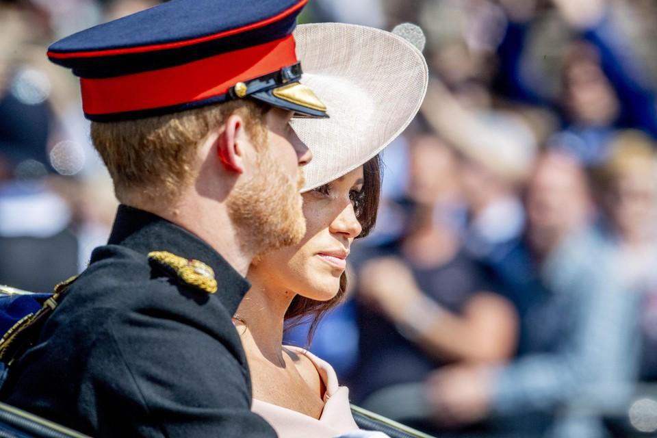 Prins Harry en Meghan Markle bij een militaire parade in 2018.