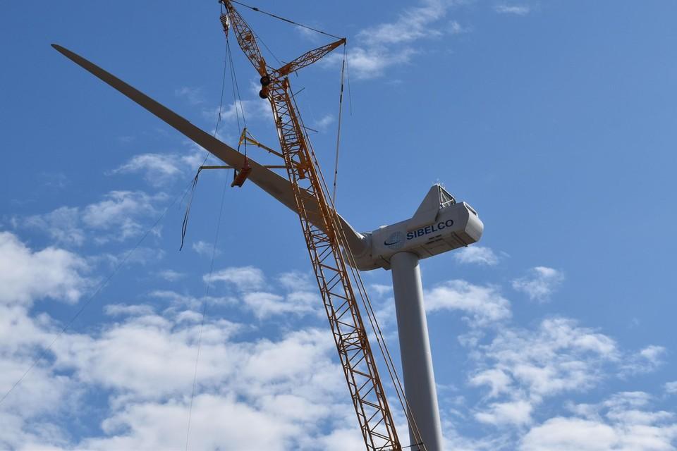 Inmiddels heeft exploitant Luminus wel al vijf van de zeven geplande windturbines gebouwd.