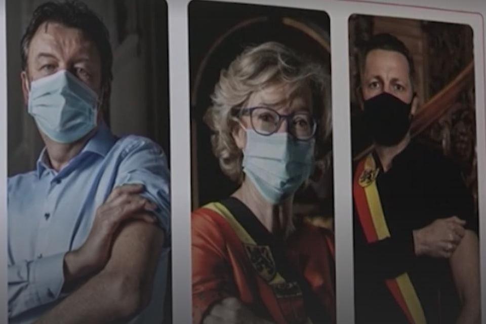 Op de posters die zijn weggehaald uit het vaccinatiecentrum stonden zowel Veerle Heeren, als Dries Deferm, CD&V-burgemeester van Nieuwerkerken en Patrick Lismont, Vooruit-burgemeester van Gingelom.