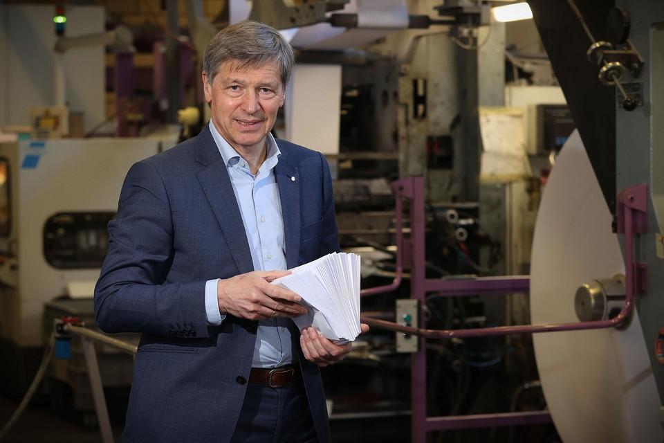CEO Yves Peiffer van Elep, de laatste producent van briefomslagen van ons land.