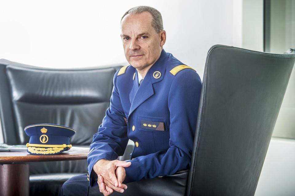 Huidig commissaris-generaal Mark De Mesmaeker fungeerde voorheen als adviseur van toenmalig binnenlandminister Jan Jambon (N-VA).