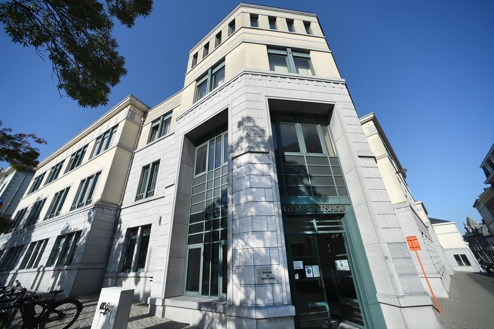 De vechtersbazen moesten zich voor de Tongerse rechtbank verantwoorden.