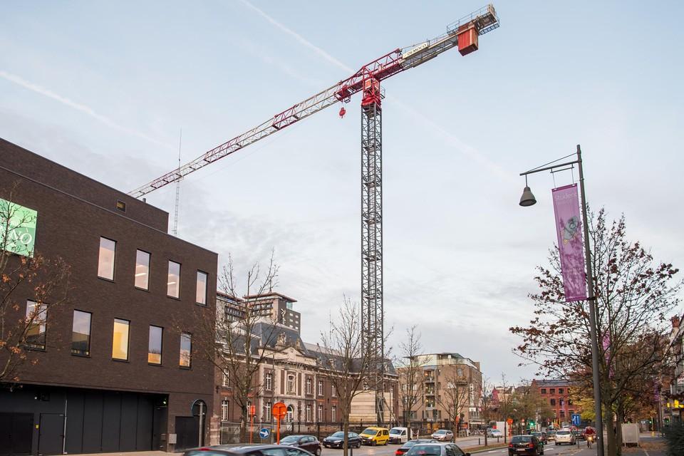 Vrijdag zullen de bouwkranen in Limburg een minuut lang richting Antwerpen wijzen.