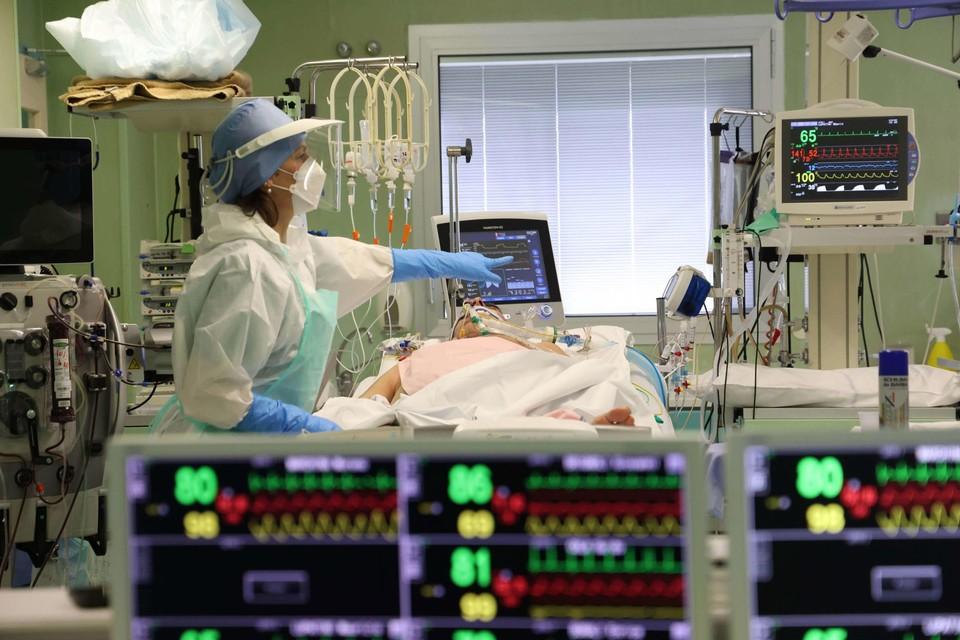 In de Limburgse ziekenhuizen liggen momenteel 91 coronapatiënten, ruim twintig minder dan de week daarvoor.