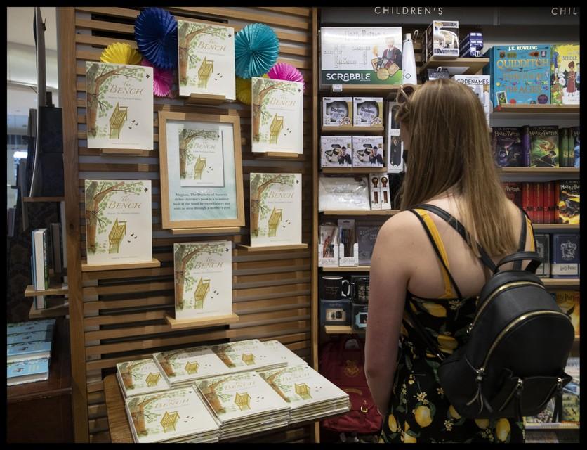 in de boekhandel