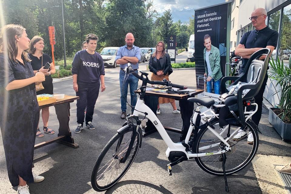 De fietsbibliotheek werd donderdagnamiddag officieel geopend in het gebouw van het OCMW in welzijnscampus Portavida.