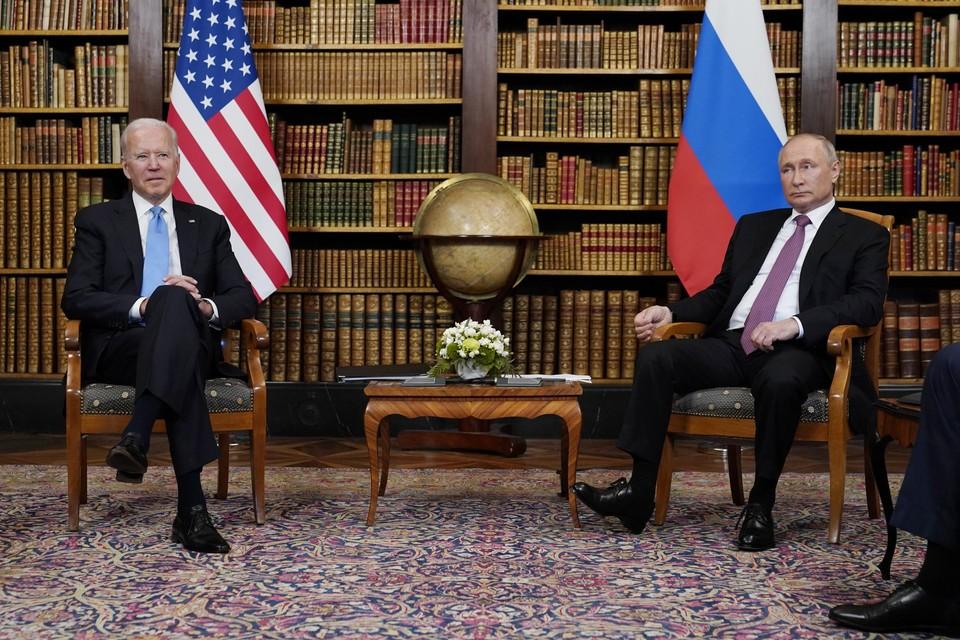 De Amerikaanse president Biden en zijn Russische ambtsgenoot Vladimir Poetin ontmoetten elkaar deze week nog in het Zwitserse Genève.