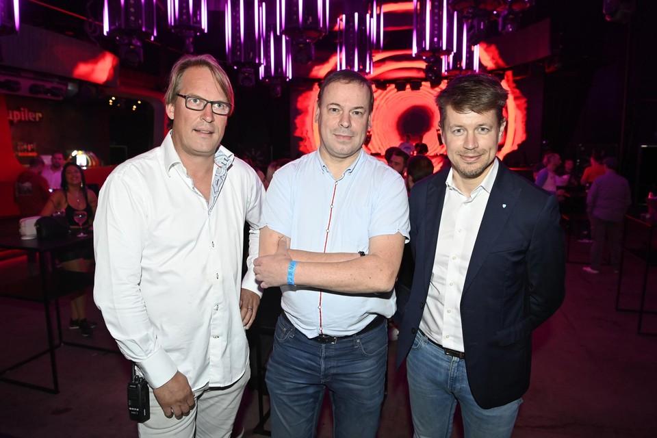 Versuz-uitbater Yves Smolders, ventilatieprof Bert Blocken en Matthias De Caluwe van Horeca Vlaanderen.