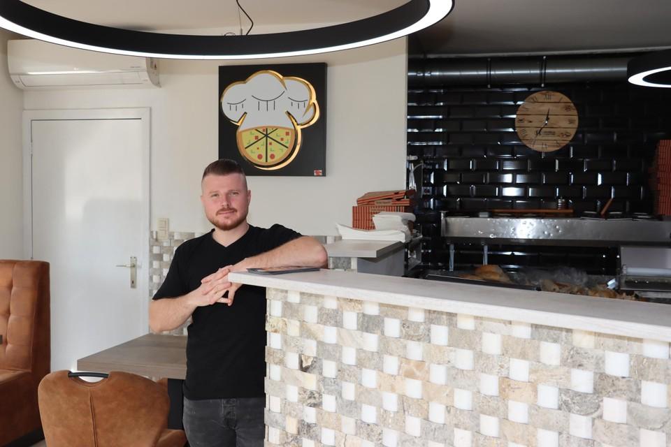 Osman Zuhtu in zijn gloednieuw restaurant Oriënt.