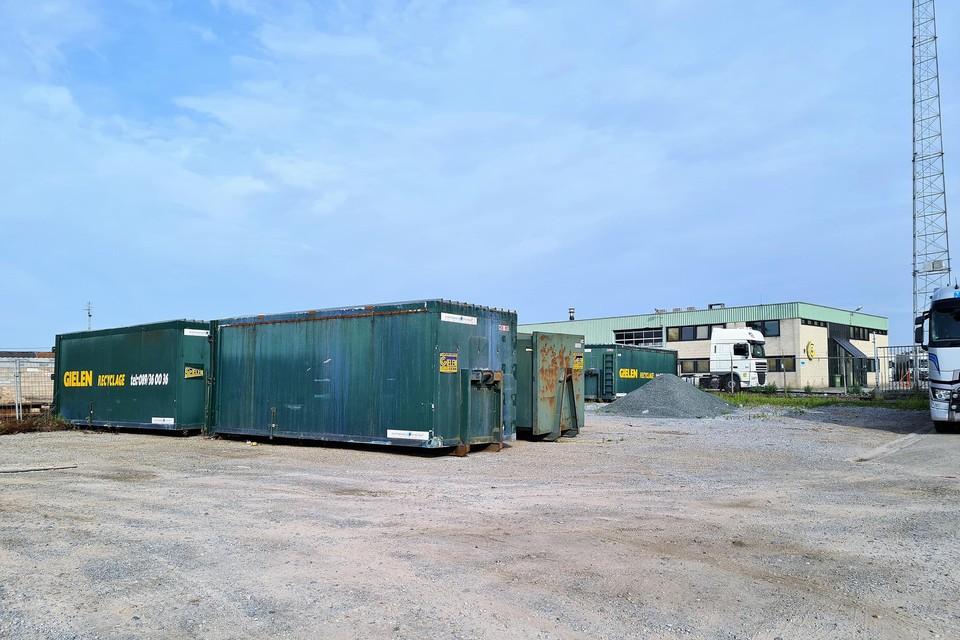 Op het terrein waar Gielen containers gevestigd was, is een PFOS-vervuiling gemeld.