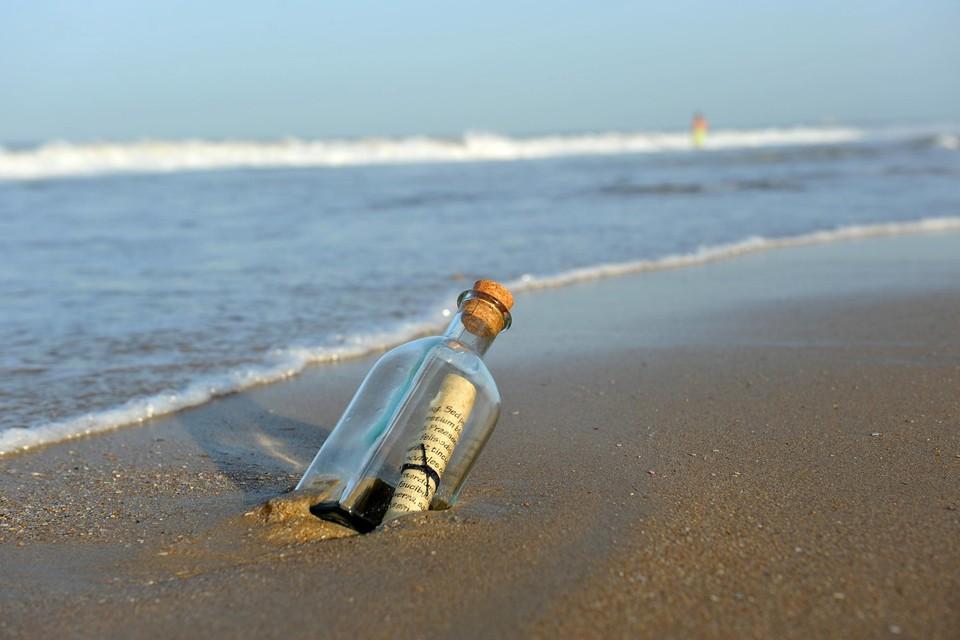 Flessenpost uit Japan na 37 jaar aangespoeld in Hawaï (themabeeld)