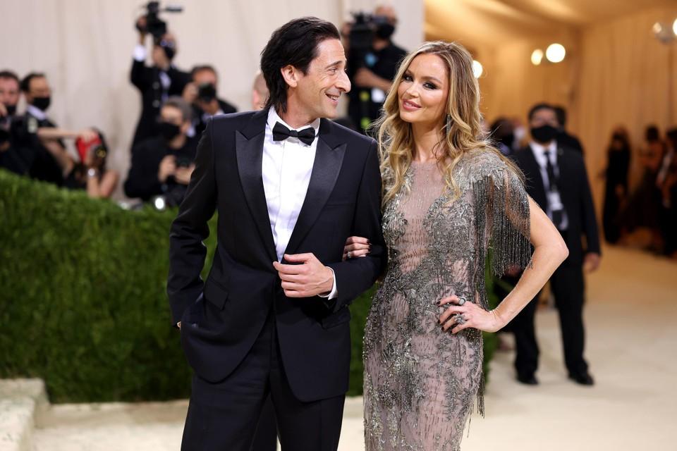 Acteur Adrien Brody en modeontwerper Georgina Chapman, de ex-vrouw van de controversiële producer Harvey Weinstein.