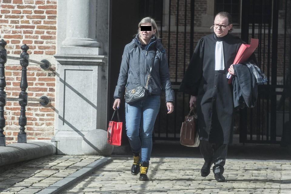 In maart vorig jaar kreeg Ilse L. nog dertig maanden cel in de rechtbank van Turnhout voor valsheid in geschrifte en oplichting.