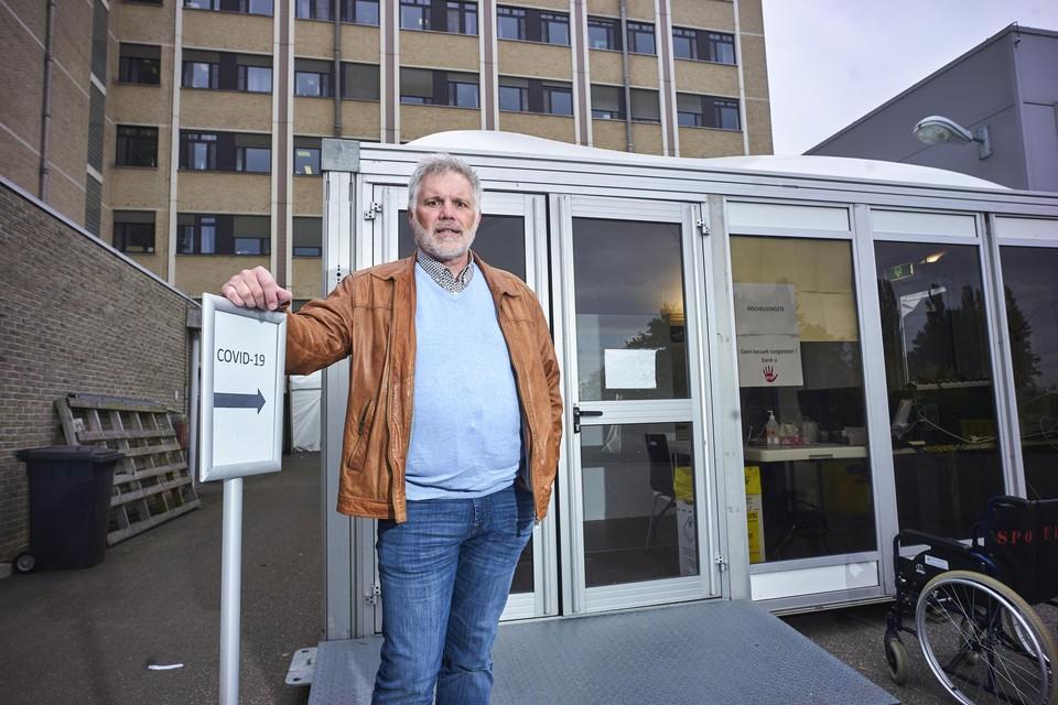 """""""In Zuidoost-Limburg hebben al zo'n 700 inwoners zich in Wallonië laten vaccineren"""", zegt Luc Hendrix, voorzitter van eerstelijnszone ZOLim."""