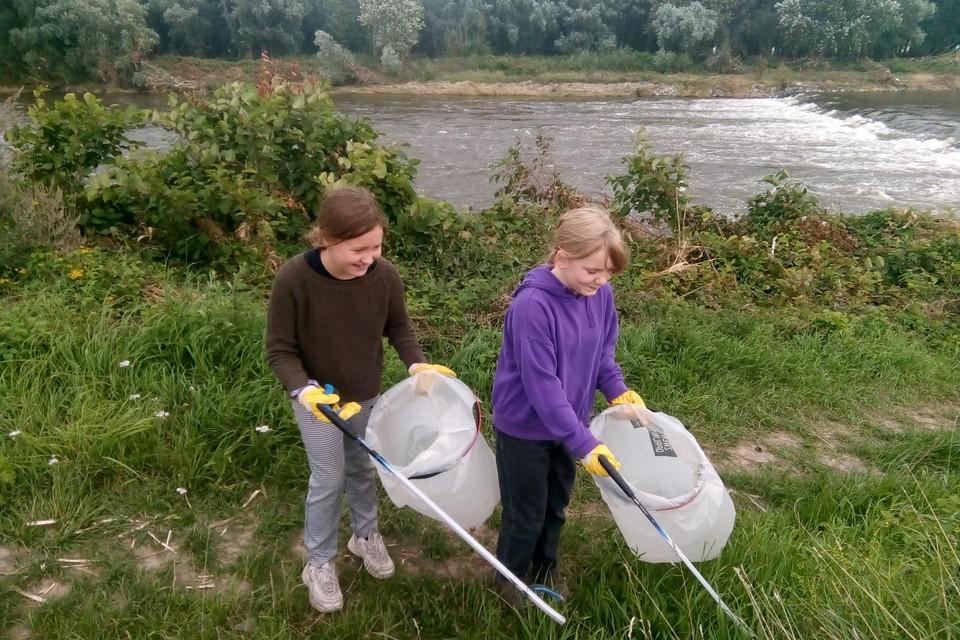 Maud Tiri (11) en Ellis Vanhemel (12) in Maasmechelen.