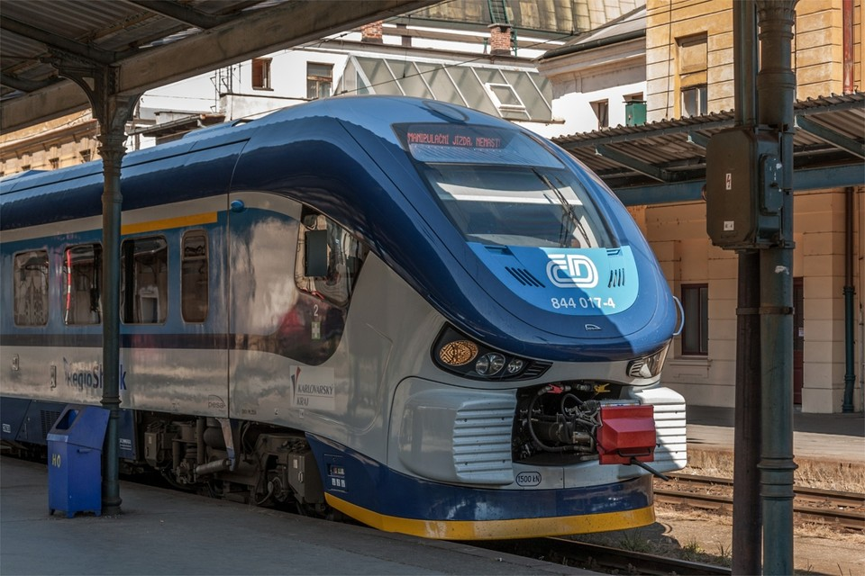 Archiefbeeld: een trein van Ceske Drahy in het station van Pilsen.