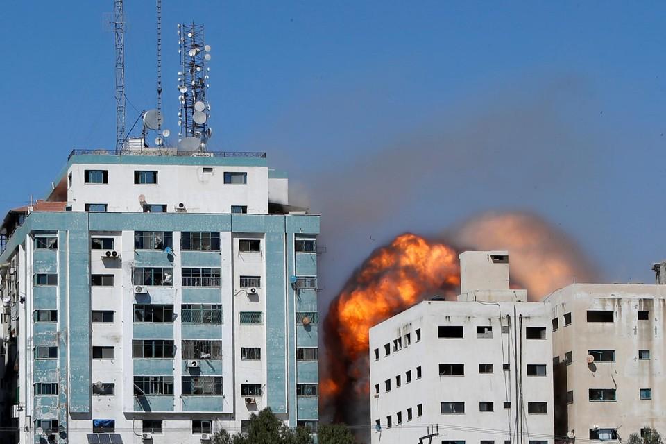 Het Israëlische leger heeft een aanval uitgevoerd op een gebouw in de Gazastrook waarin al-Jazeera en het Amerikaanse persbureau AP (Associated Press) gehuisvest zijn.