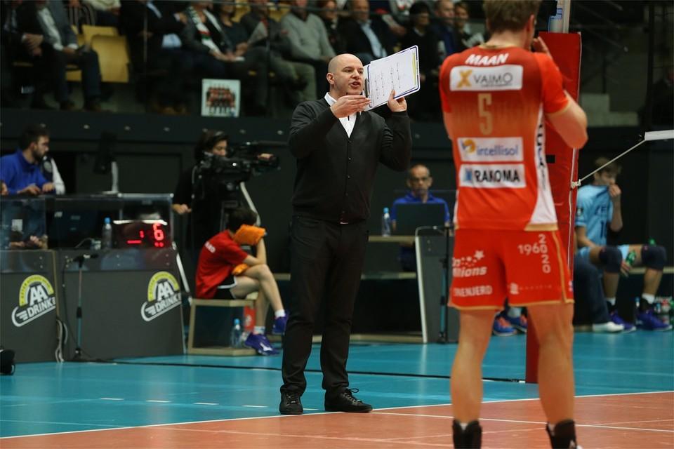 Joel Banks blijft tot 2022 coach bij Maaseik.