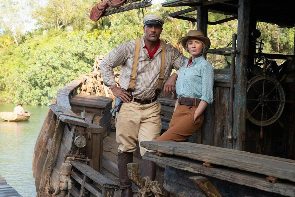 Dwayne Johnson en Emily Blunt kunnen het goed met elkaar vinden in 'Jungle Cruise', een mix van 'The African Queen', 'Raiders of the Lost Ark' en 'Pirates of the Caribbean'.