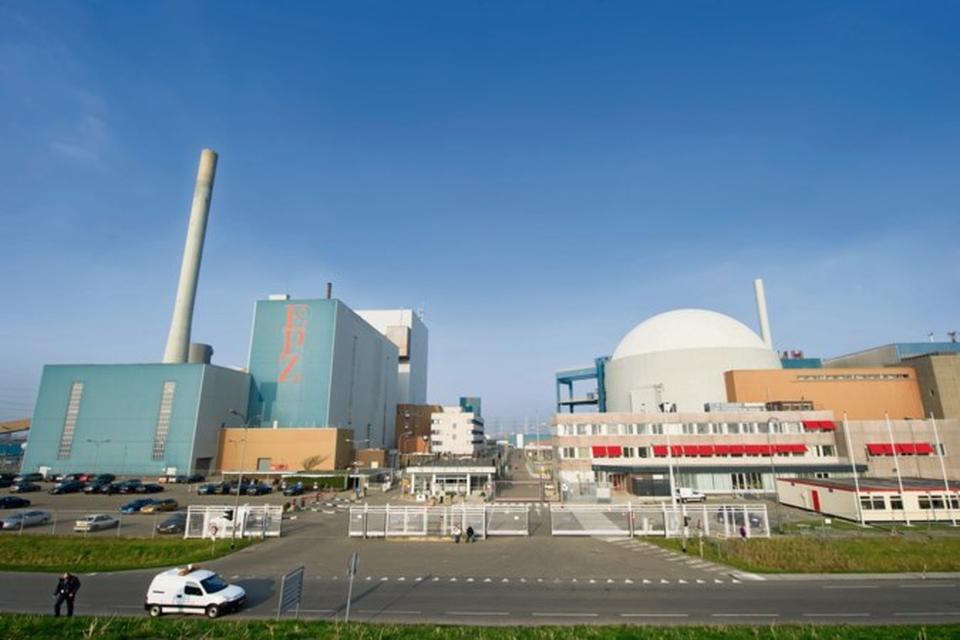 Een meerderheid van de Staten wil dat onderzocht wordt of er in Limburg plek is voor een of meerdere kerncentrales.