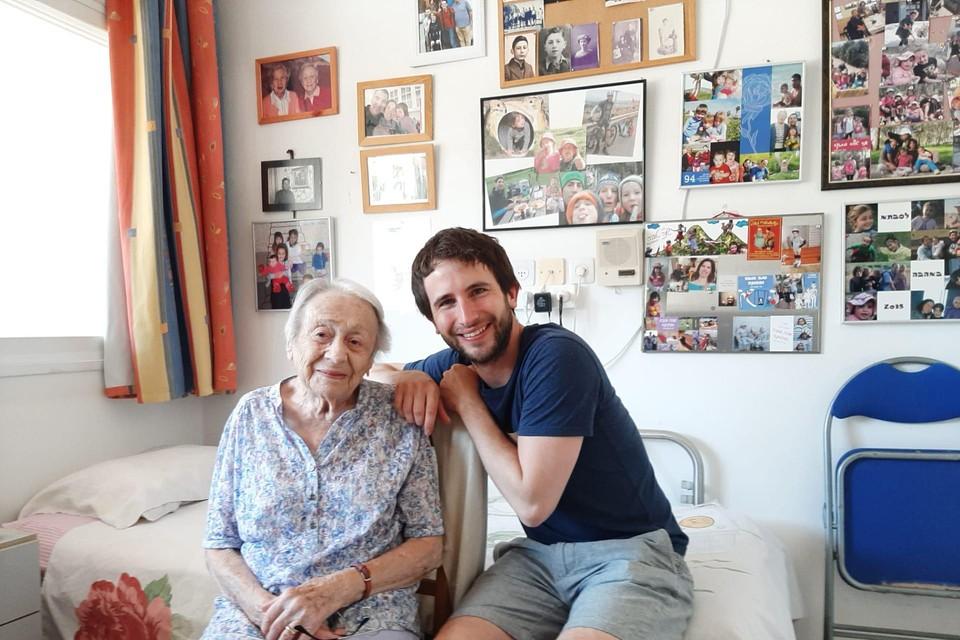 Eva Fastag met historicus en auteur Pieter Serrien.