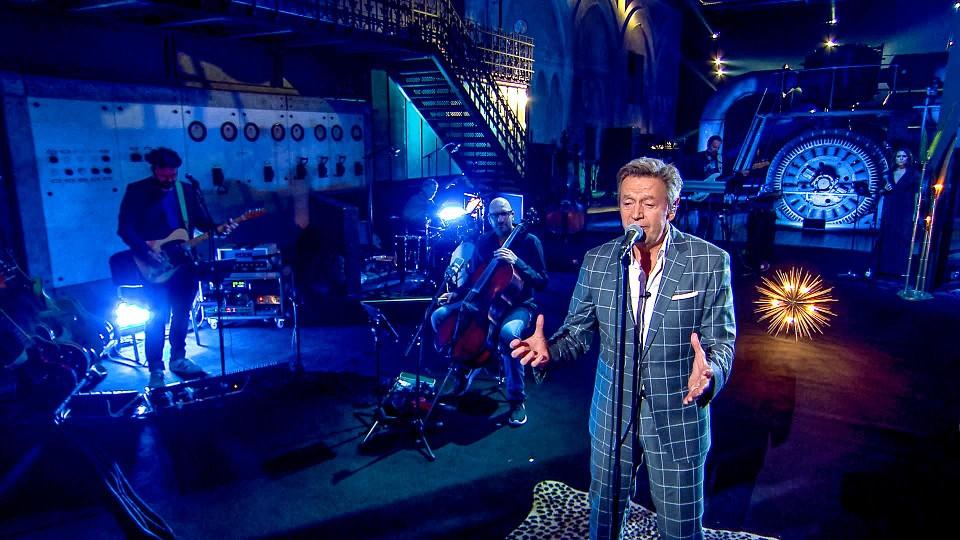 """De 'Liefde voor muziek'-cover van Willy Sommers lanceerde 'Magie' voor het eerst naar de top van de hitlijsten. """"Ik mag fier zijn op wat het lied blijft losmaken in Vlaanderen"""", zegt Philippe Robrecht."""