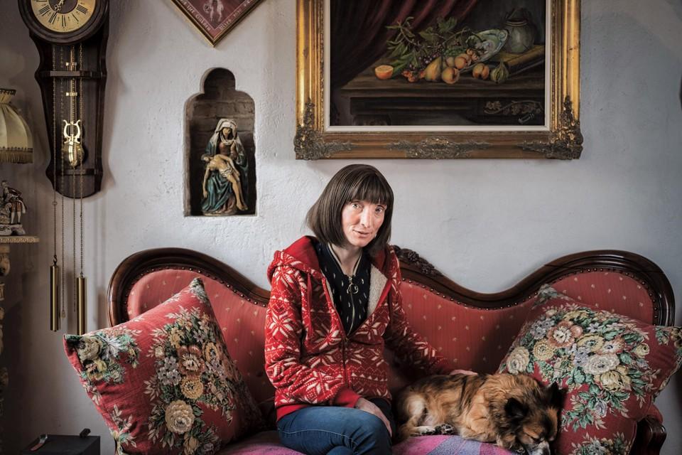 Schrijfster Delphine Lecompte, een sensatie sinds haar deelname aan 'De Slimste Mens'.