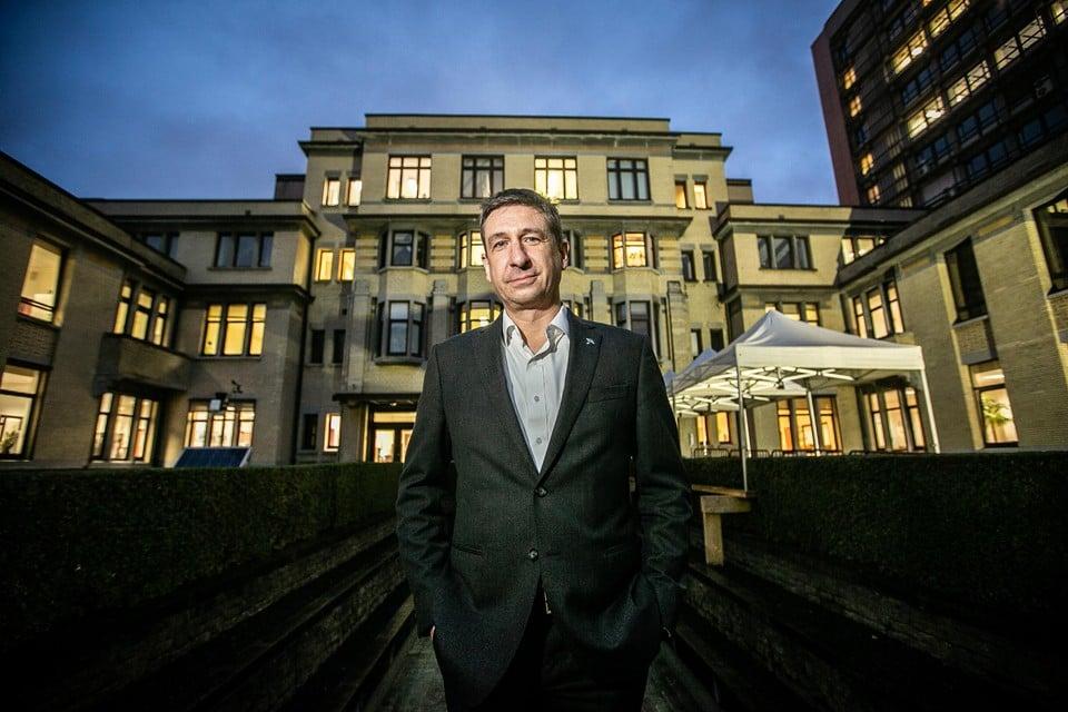 Directeur Marc-Alain Widdowson. Ook bij het ITG in de Nationalestraat worden lange dagen gemaakt in de strijd tegen Covid-19.