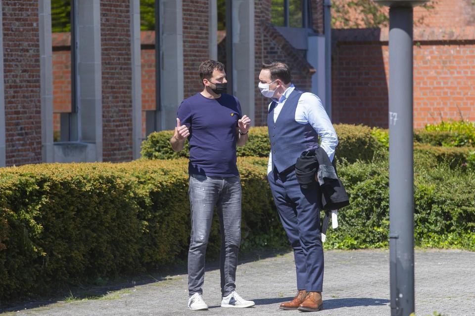 Stan, de broer van Sofie Muylle, en advocaat Filip De Reuse.