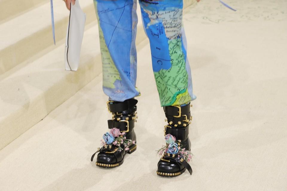 De schoenen van Dan Levy.