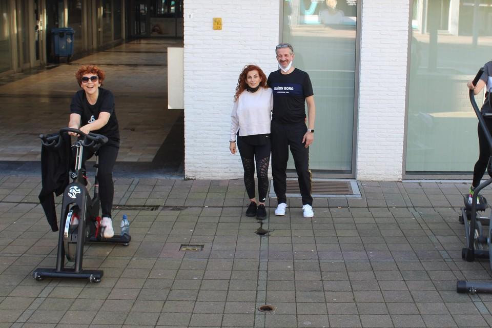 Onder meer bij Asclepia in Genk stonden de fitnesstoestellen op de stoep