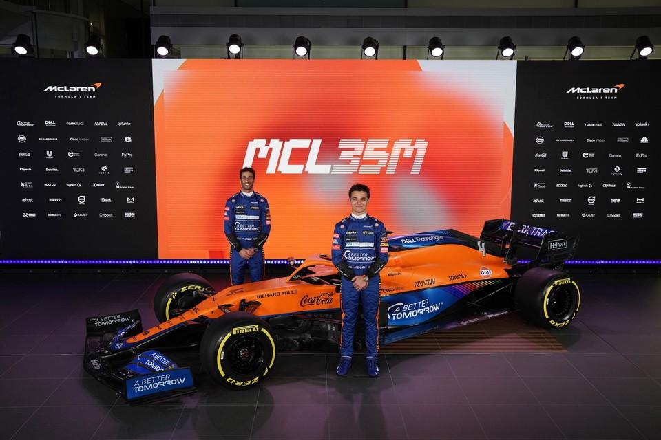 Lando Norris (vooraan) en Daniel Ricciardo vormen dit seizoen het rijdersduo bij McLaren.