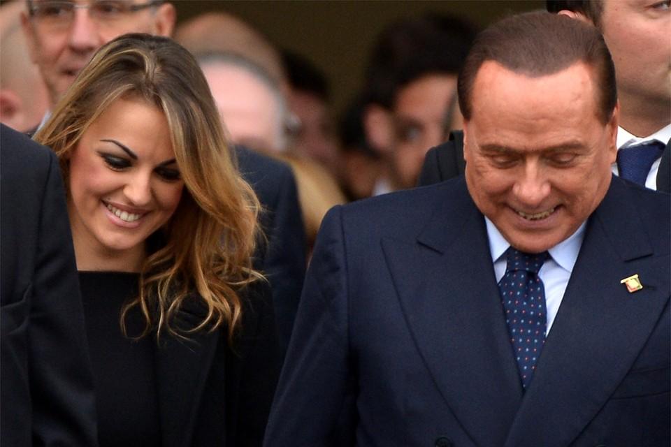 Silvio Berlusconi met zijn toenmalige echtgenote Francesca Pascale