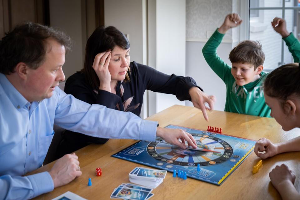 Pieterjan juicht, al zal de eindoverwinning in dit rondje 'Reizen Waes' niet voor hem zijn.