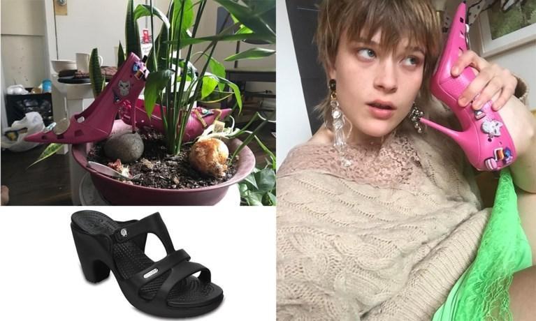 De roze pumps van Balenciaga, de zwarte sandalen met hak zijn echte Crocs Foto: IG
