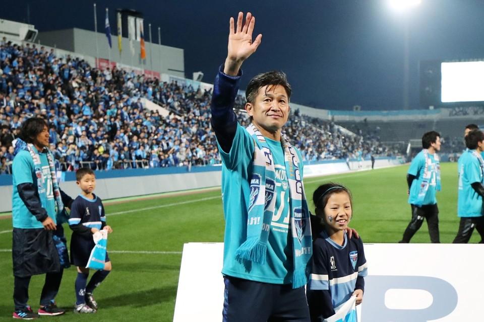 Nog geen afscheid voor Kazuyoshi Miura: hij doet er op zijn 52ste nog een jaartje bij.