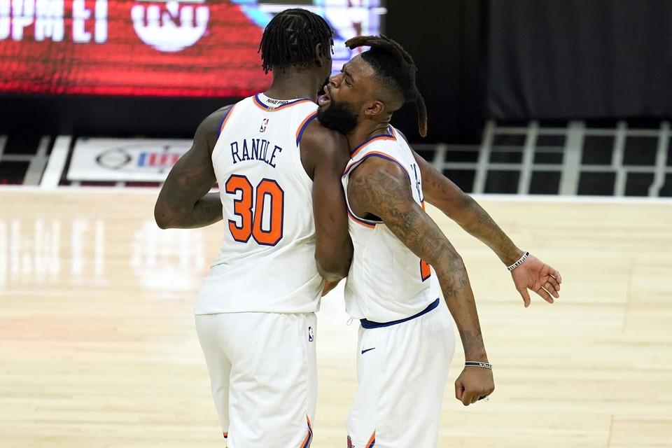 Julius Randle (links) is dit seizoen de grote man bij de Knicks