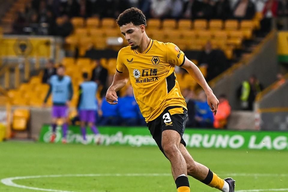 Wolverhampton voetbalt met gokkantoor ManBetX op de borst.