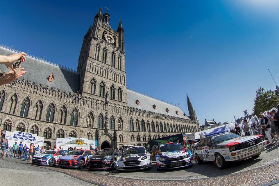 Voorlopig geen WRC-bolides aan de Lakenhal in Ieper.